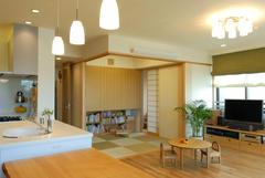 自然素材で仕上げた和室。