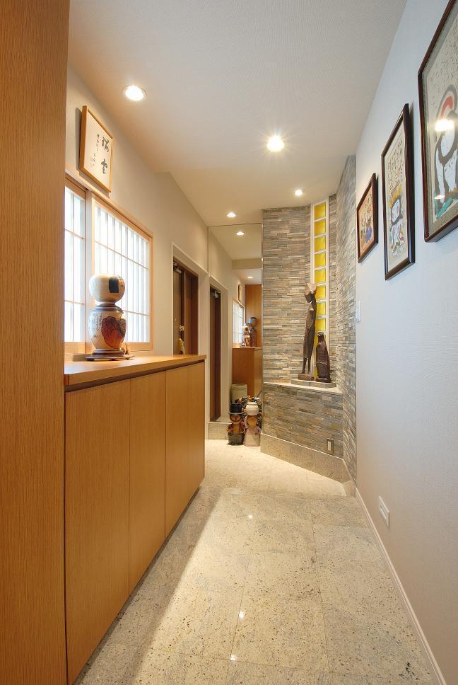 開放感のある暮らしやすい間取り、木の温もりが心地よい家に大変身。